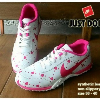 REPLIKA KETS NIKE WHITE LOVE PINK