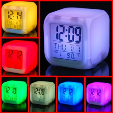 Glowing LED Color Change Digital Alarm Clock Moodicare - Jam Kotak SJ0041