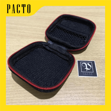 Diskon KNOWLEDGE ZENITH EARPHONE CASE AND POUCH PU LEATHER SQUARE CARBON