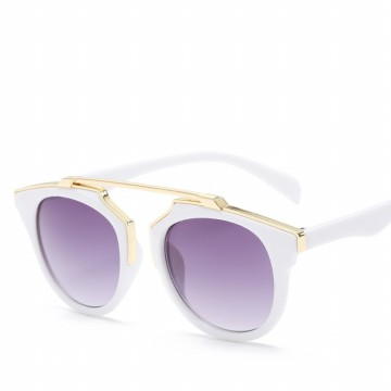 Tiaria Retro Fashionable Sungglass Kacamata CJ15702-WG-C13