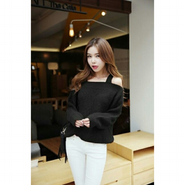 Blouse Rajut Off Shoulder 117404O