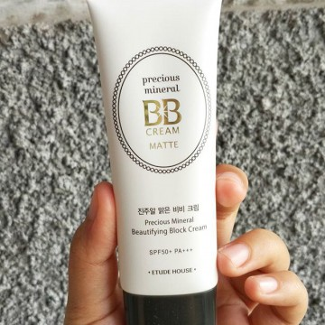 Etude House Precious Mineral BB Cream Moist/Matte Beautifying Block SPF 50 PA++