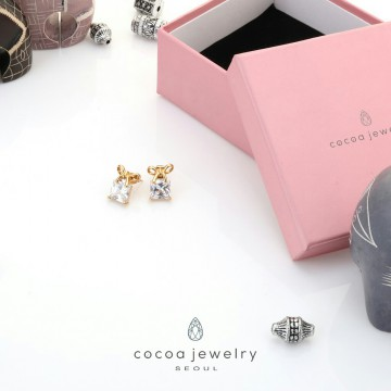 Cocoa Jewelry Anting Crystal Square