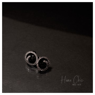 HanaChic Jewelry Black Rose Earring