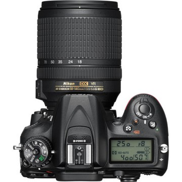 Kamera DSLR Nikon D7200 Kit 18-140mm