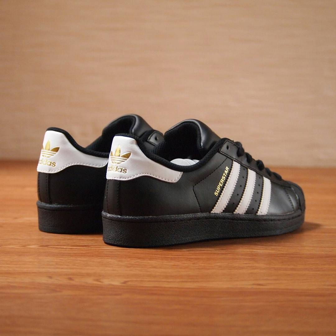 Sepatu Adidas Superstar Black List White Original Made In Indonesia ... 4dcbe5e485