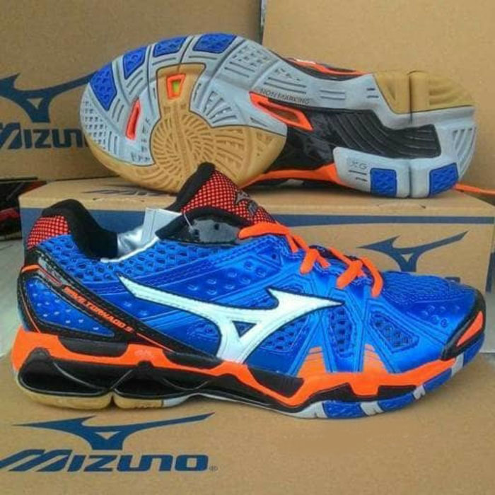 Sepatu Volley Mizuno Wave Tornado 9 Low Premium !!  e13e126507